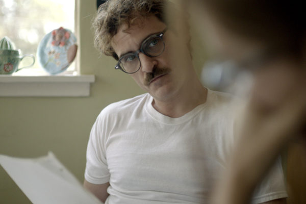 les ulleres de Joaquin Phoenix a Her